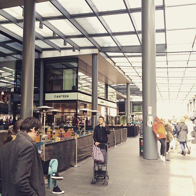 Food/vintage/crafts & more -market #spitalfieldsmarket #london #foodhallen #hipandhappening #retail #shopping #shoppingstreet #placestobe #placestovisit