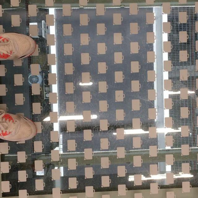 Kijkje achter de… uh onder de grond #lounge2 #schiphol #bagageband