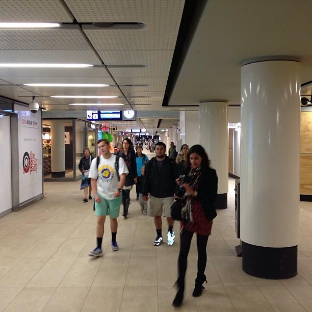 De nieuwe middentunnel op adam centraal is open. Alleen nog de helft.