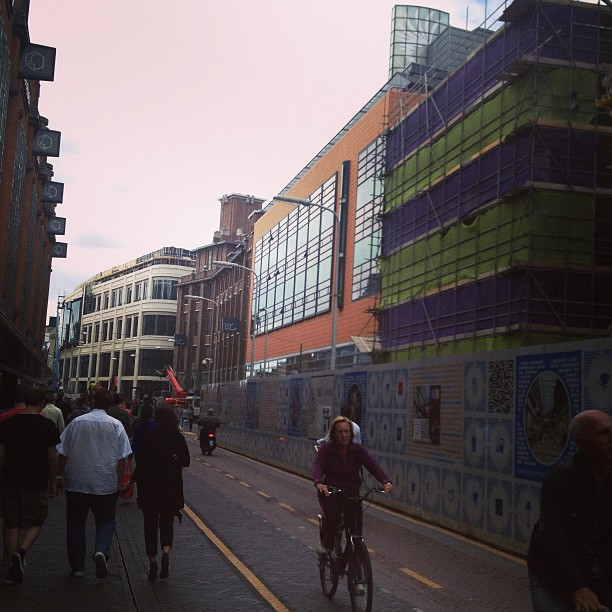 Den Haag in ontwikkeling, met het nieuwe Marks and Spencer gebouw