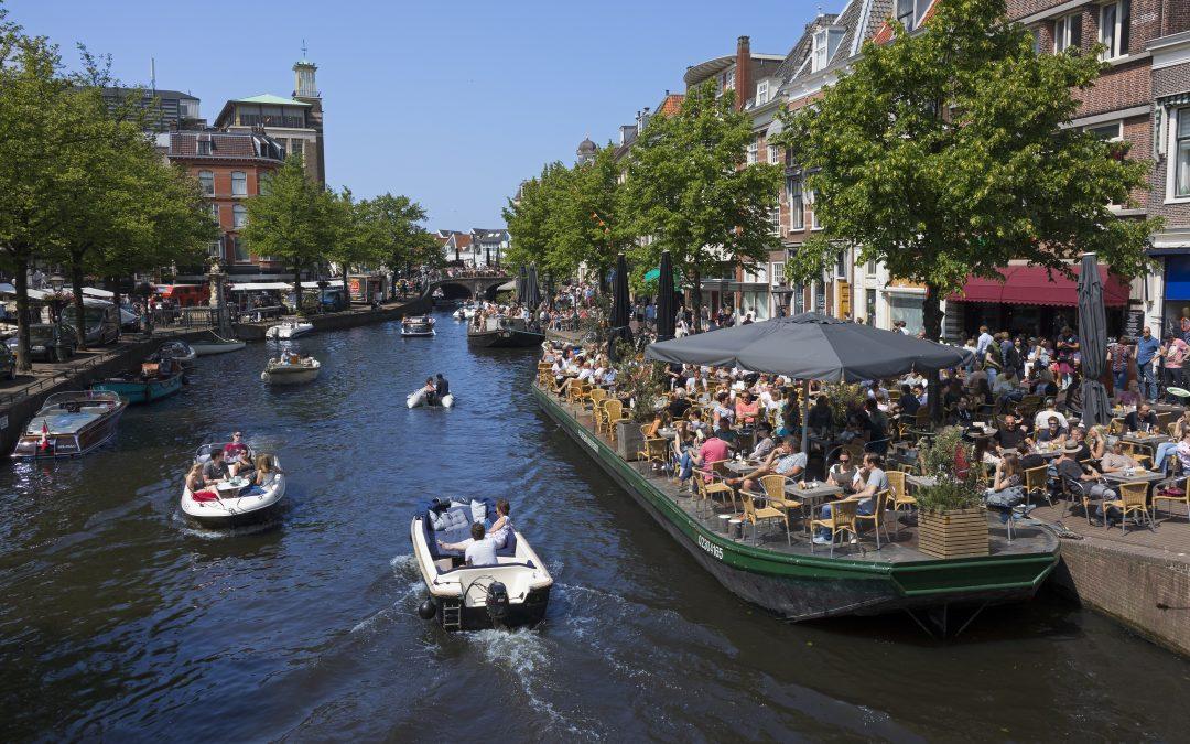 Wat betekent een warme, droge zomer voor de winkelstraatdrukte?